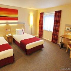 Отель Holiday Inn Express Birmingham Redditch комната для гостей фото 2