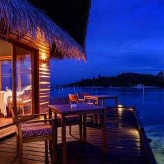 Отель Adaaran Select Hudhuranfushi Остров Гасфинолу балкон