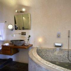 Отель Honeymoon Petra Villas в номере