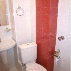 Отель Family Hotel White House Болгария, Поморие - отзывы, цены и фото номеров - забронировать отель Family Hotel White House онлайн ванная фото 2