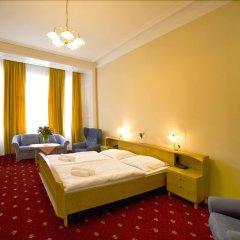 Отель Palacky Чехия, Карловы Вары - 1 отзыв об отеле, цены и фото номеров - забронировать отель Palacky онлайн комната для гостей фото 2