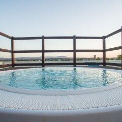 Отель Wally Residence Римини бассейн