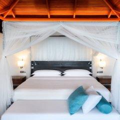 Отель Sheraton Maldives Full Moon Resort & Spa Мальдивы, Остров Фуранафуши - отзывы, цены и фото номеров - забронировать отель Sheraton Maldives Full Moon Resort & Spa онлайн сейф в номере