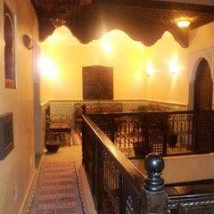 Отель Riad Boutouil бассейн