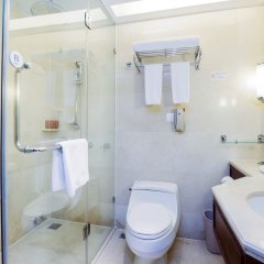 Отель Crowne Plaza Hotel & Suites Landmark Shenzhen, an IHG Hotel Китай, Шэньчжэнь - отзывы, цены и фото номеров - забронировать отель Crowne Plaza Hotel & Suites Landmark Shenzhen, an IHG Hotel онлайн ванная