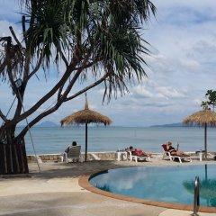 Отель Saladan Beach Resort пляж фото 2