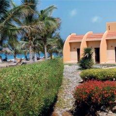 Отель Beach Resort by Bin Majid Hotels & Resorts пляж