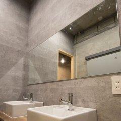 Отель AMP FLAT Nishijin 2F Фукуока ванная