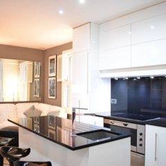 Апартаменты Beautiful Kensington 2 Bedroom Luxury Apartment Лондон комната для гостей фото 2