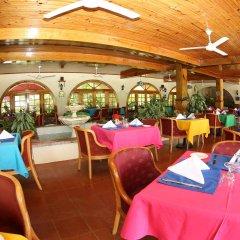 Charela Inn Hotel питание