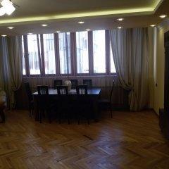 Отель Guest-house Relax Lux - Apartment Армения, Ереван - отзывы, цены и фото номеров - забронировать отель Guest-house Relax Lux - Apartment онлайн помещение для мероприятий