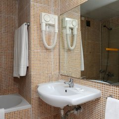 Отель Dorisol Mimosa Hotel Португалия, Фуншал - отзывы, цены и фото номеров - забронировать отель Dorisol Mimosa Hotel онлайн ванная фото 2