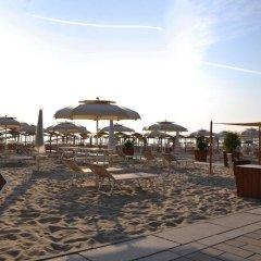 Отель Mocambo Италия, Риччоне - отзывы, цены и фото номеров - забронировать отель Mocambo онлайн пляж