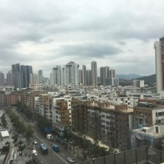 Отель Holiday Apartment Hotel Китай, Шэньчжэнь - отзывы, цены и фото номеров - забронировать отель Holiday Apartment Hotel онлайн балкон