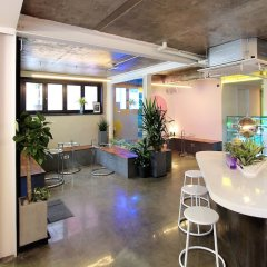 ORBIT Cafe & Guesthouse - Hostel бассейн
