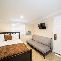 Отель Nite Inn Студио-Сити комната для гостей