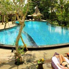 Отель Вилла Pandawas бассейн