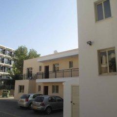Апартаменты Byreva Apartments парковка