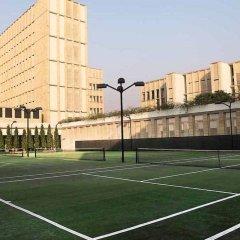 Отель The Lodhi спортивное сооружение