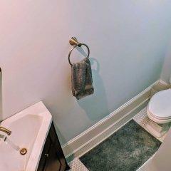 Отель 140 12th ST SE House 3 Bedrooms 2.5 Bathrooms Apts США, Вашингтон - отзывы, цены и фото номеров - забронировать отель 140 12th ST SE House 3 Bedrooms 2.5 Bathrooms Apts онлайн ванная