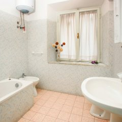 Отель B&B Cult Roma Италия, Рим - отзывы, цены и фото номеров - забронировать отель B&B Cult Roma онлайн ванная