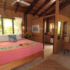 Отель Coconut Grove Beachfront Cottages комната для гостей