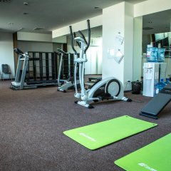 Hotel Saffron фитнесс-зал