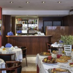 Отель Suite Hotel Parioli Италия, Римини - 7 отзывов об отеле, цены и фото номеров - забронировать отель Suite Hotel Parioli онлайн питание фото 2