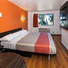 Отель Motel 6 Los Angeles, CA - Los Angeles - LAX США, Инглвуд - отзывы, цены и фото номеров - забронировать отель Motel 6 Los Angeles, CA - Los Angeles - LAX онлайн комната для гостей фото 5