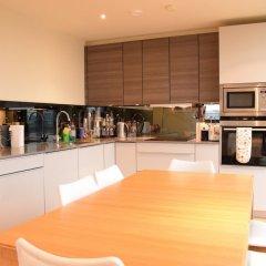 Отель Charming 2 Bedroom Apartment Next to Maltby Market Великобритания, Лондон - отзывы, цены и фото номеров - забронировать отель Charming 2 Bedroom Apartment Next to Maltby Market онлайн питание
