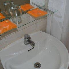 Отель Islands Stays Hotels- Mactan Филиппины, Лапу-Лапу - 3 отзыва об отеле, цены и фото номеров - забронировать отель Islands Stays Hotels- Mactan онлайн ванная