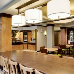 Отель Fairfield Inn And Suites By Marriott Lake City Лейк-Сити питание