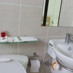 Beehive Phuket Oldtown Hostel Пхукет ванная
