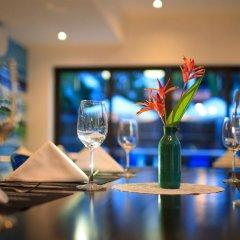 Отель The Blue Alcove Хойан гостиничный бар
