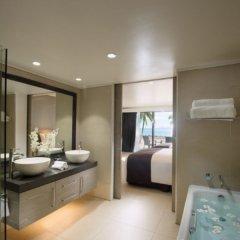 DoubleTree Resort by Hilton Hotel Fiji - Sonaisali Island ванная фото 2