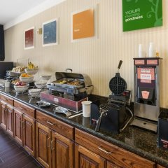 Отель Comfort Suites Plainview банкомат