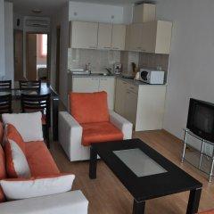 Отель Sunny Holiday Apartments Болгария, Солнечный берег - 1 отзыв об отеле, цены и фото номеров - забронировать отель Sunny Holiday Apartments онлайн комната для гостей фото 4