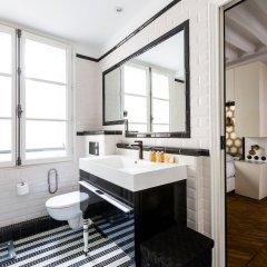 Отель Bauhaus Magic in the Marais Париж ванная