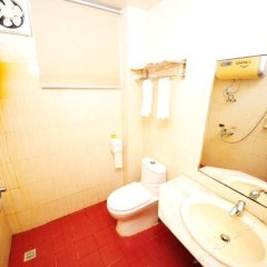 Отель Huateng Woju Inn Китай, Сямынь - отзывы, цены и фото номеров - забронировать отель Huateng Woju Inn онлайн ванная