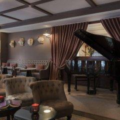 Отель Hôtel DAubusson гостиничный бар