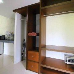 Отель Baan Norkna Bangtao пляж Банг-Тао сейф в номере