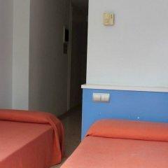 Отель Residencia de estudiantes Onix комната для гостей