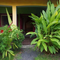 Отель Bungalow With one Bedroom in Guadeloupe, With Pool Access, Enclosed Ga фото 3
