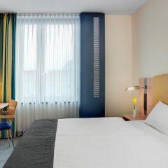 Отель InterCityHotel Hamburg Hauptbahnhof Германия, Гамбург - 1 отзыв об отеле, цены и фото номеров - забронировать отель InterCityHotel Hamburg Hauptbahnhof онлайн комната для гостей фото 2