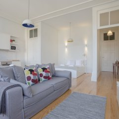 Апартаменты Liiiving - Downtown Spacious Studio Порту комната для гостей фото 4