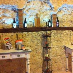 Отель Affittacamere Le Tre stelle гостиничный бар