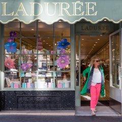 Отель Luxury 2 Bedroom With AC - Louvre & Champs Elysees Париж развлечения