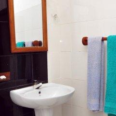 Отель Luthmin River View Hotel Шри-Ланка, Бентота - отзывы, цены и фото номеров - забронировать отель Luthmin River View Hotel онлайн ванная