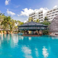 Отель Movenpick Resort & Spa Karon Beach Phuket Таиланд, Пхукет - 4 отзыва об отеле, цены и фото номеров - забронировать отель Movenpick Resort & Spa Karon Beach Phuket онлайн бассейн фото 3