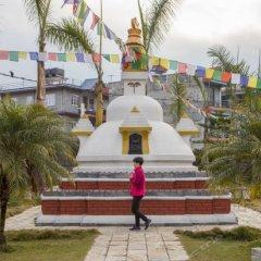 Отель Pokhara Grande Непал, Покхара - отзывы, цены и фото номеров - забронировать отель Pokhara Grande онлайн приотельная территория
